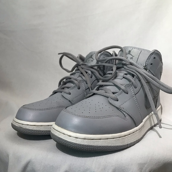 free shipping a3ca1 edd1a Jordan Other - Nike Air Jordan 1 Retro Mid Wolf Grey Cool Grey